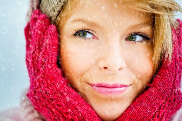 Winter-woman-with-nice-skin
