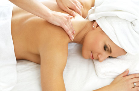Girl-receiving-massage